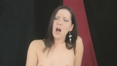 Amatuer brunette fucks pussy with dildo Thumb